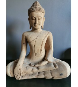 Bouddha naturel en position du lotus